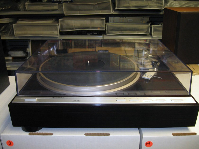 Hitachi HT-561 Automatic Direct Drive Quartz Lock 1980's Japanese Turntable Excellent Shipping Included