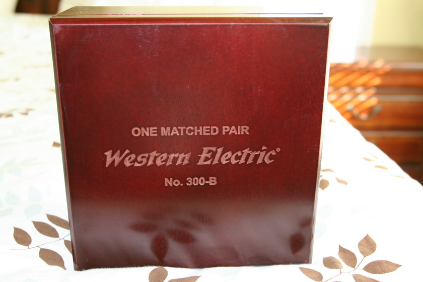BRAND NEW WESTERN ELECTRIC 300B 300B NEVER OPEN