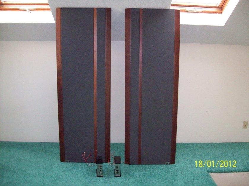 Magnepan 3.5 Cherry/grey fabric