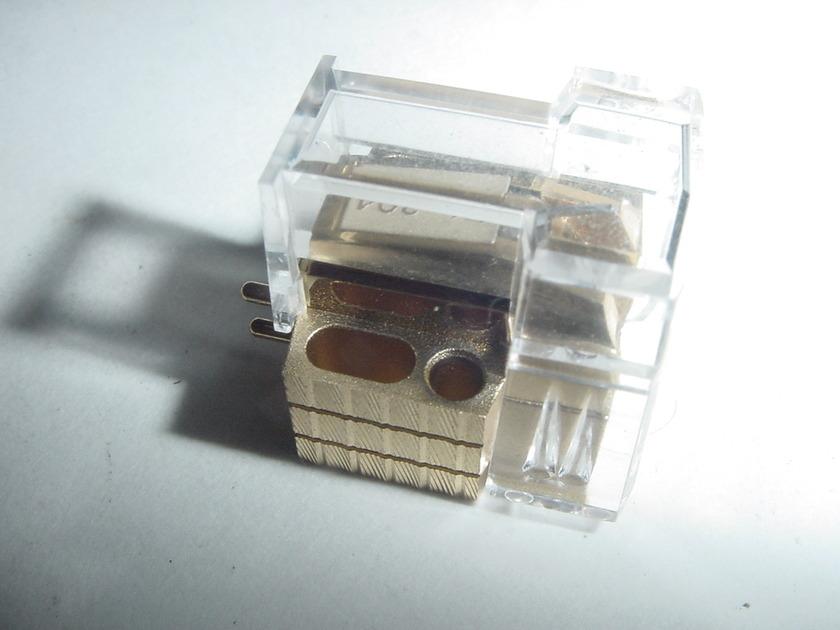 Denon DL-304 low output MC tye lomc cartridge
