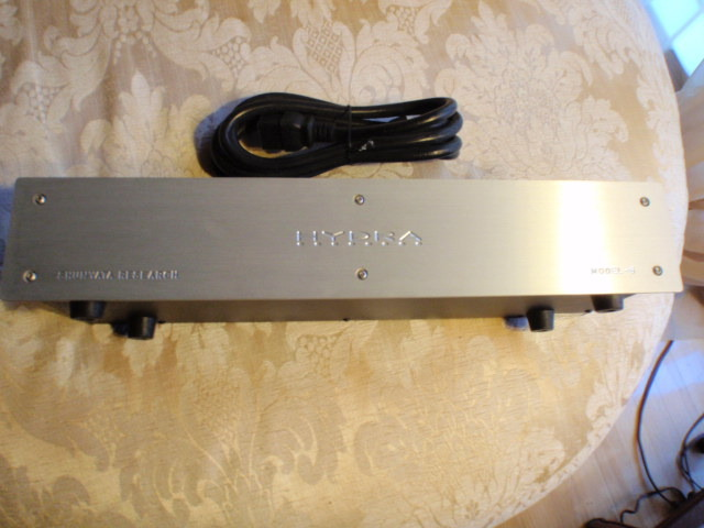 Shunyata Hydra 6 Power conditioner w/20A power cord