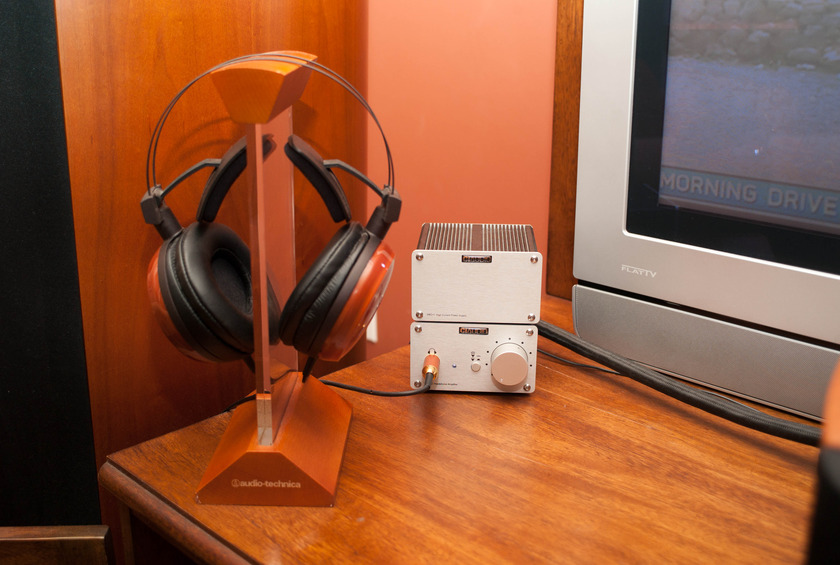 CIAUDIO VHP•2 Headphone Amplifier With VHP•2 Headphone Amplifier and VAC•1 Power Supply