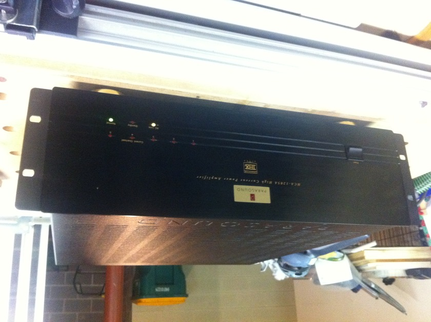 Parasound HCA-1205A With rack mount, like new