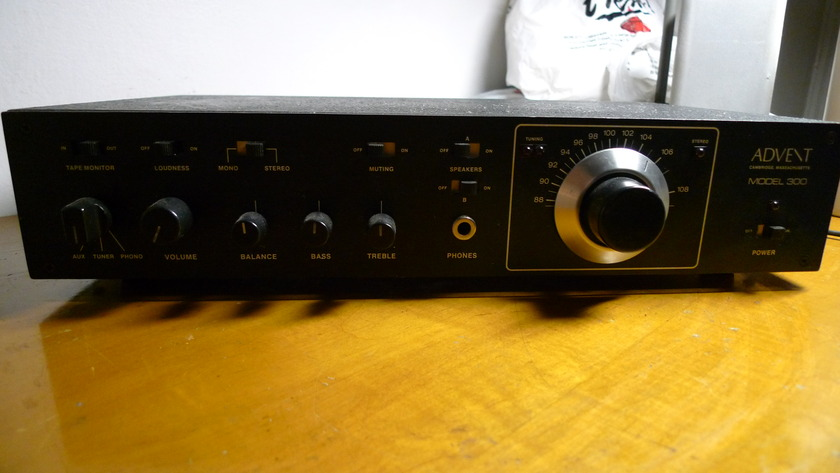 ADVENT MODEL 300 INTEGRATED/RECEIVER/TUNER