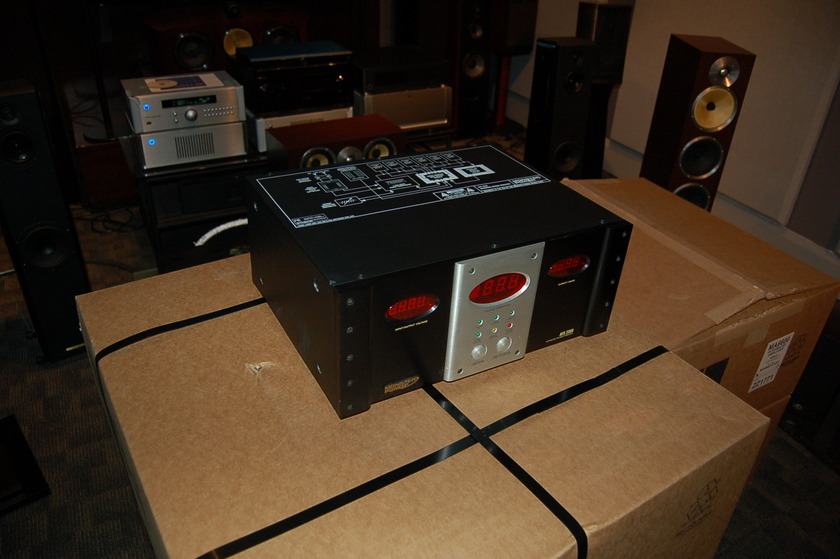 Monster Cable Monster Power AVS 2000 Signature Series  Nice Reference unit AVS 2000