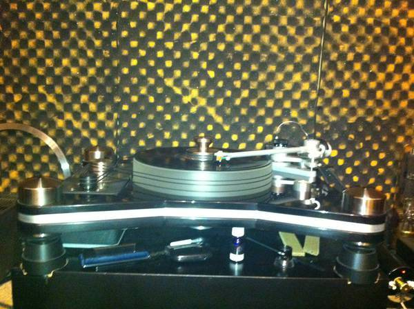 VPI HRX with JMW 12.7 tonearm