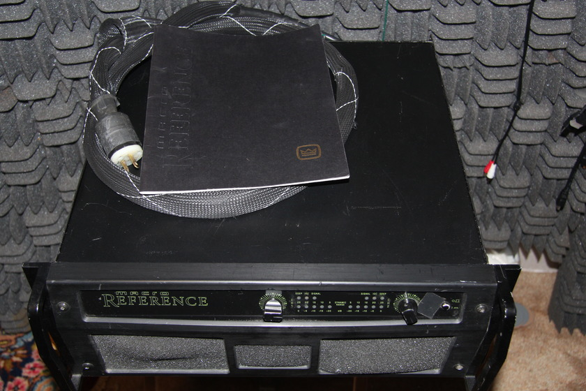Crown  Macro Reference Stereo amplifier