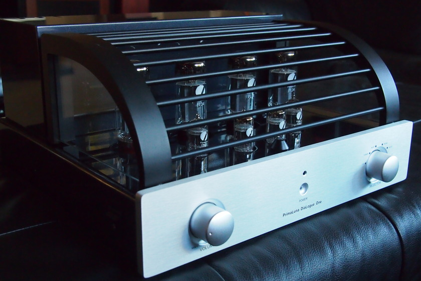 PrimaLuna Dialogue One Integrated Amplifier