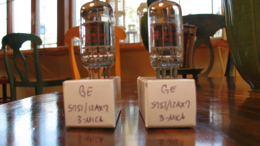 G.E. 5 Starr 3-Mica Black Plates Matched Pair.