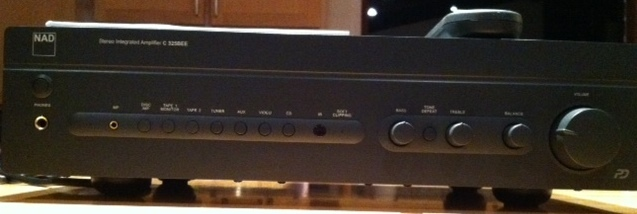 NAD C325BEE Integrated Amplifier, Like New!