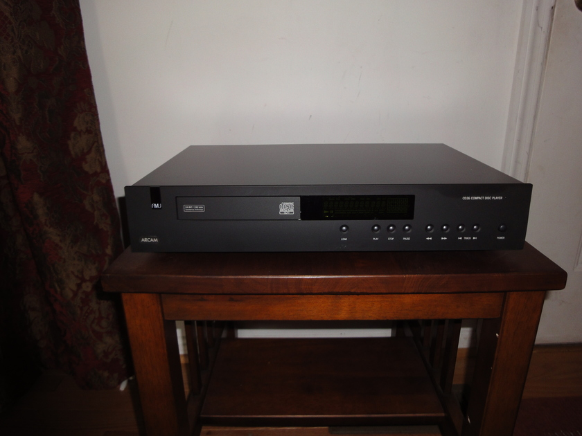 Arcam FMJ cd36 text black version