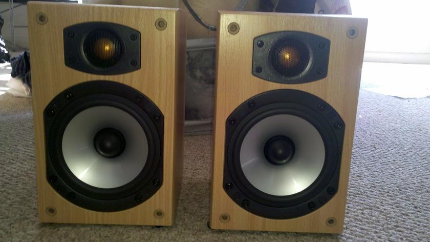 Monitor Audio BR1 Speakers Monitor Audio BR1 Beautiful Birch Veneer