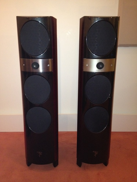 Focal  1027BE Red Cherry (Signature Finish)