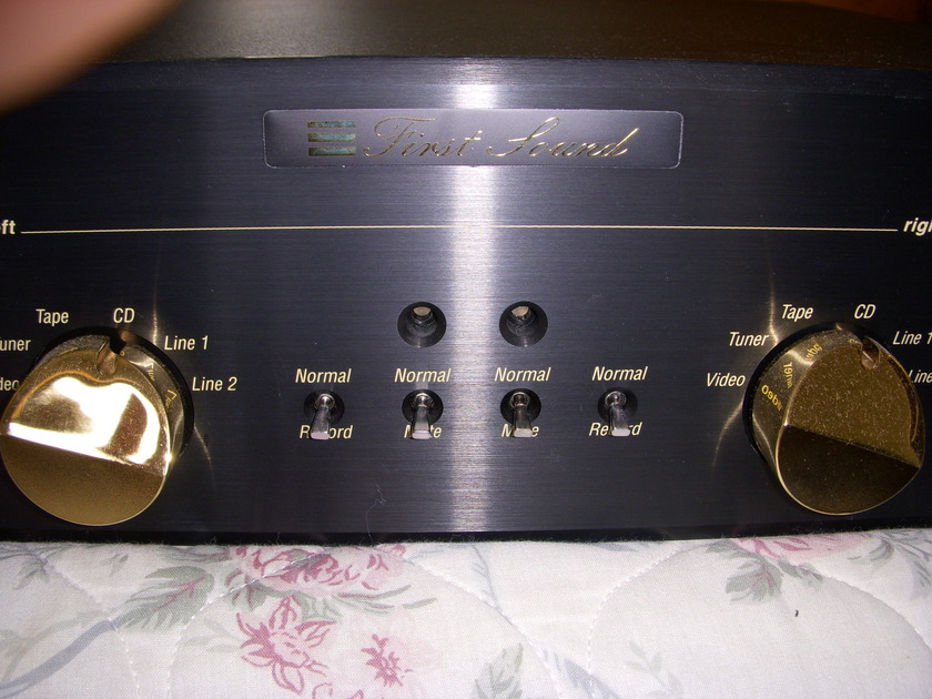 FIRST SOUND  PRESENCE DELUXE 4.0 MARK III TUBE PREAMP