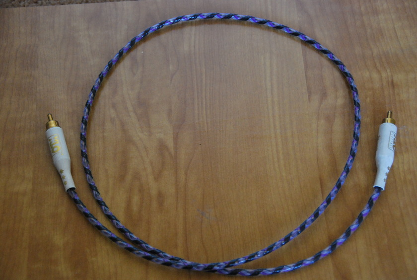 XLO ELECTRIC Reference  Ultra Type 4 Digital Cable RCA terminated 3 ft in Great Condition