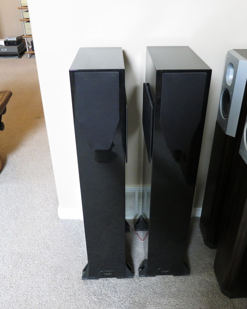 Rega RS7 Gloss Piano Black Rare (Mint) Store Demo!