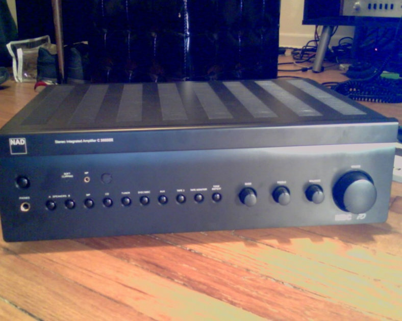 NAD  C356BEE AMAZING AMP AND DEAL less than year old