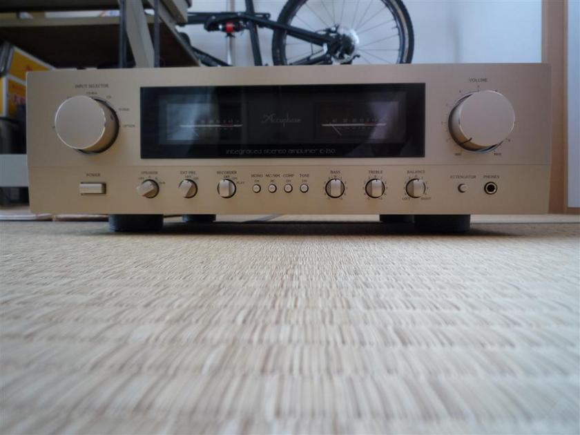 ACCUPHASE  E-250 INTEGRATED AMPLIFIER 100V