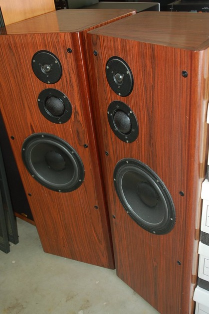 Cello Stradivari Speakers