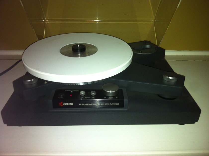 Kyocera PL-910 Reference turntable made by Micro Seiki