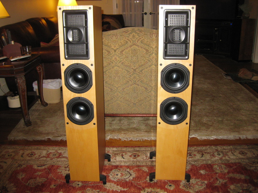 BG  Radia Z-92 Loudspeakers Maple