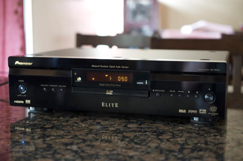 Pioneer Elite DVD Player DV-79 AVi Like-New Condition