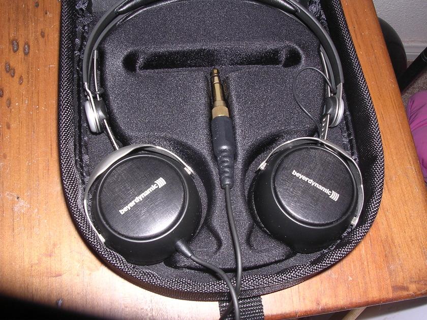 Beyerdynamic DT 1350  headphones w/ case