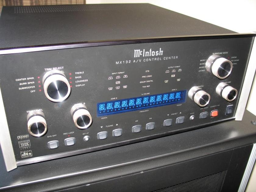 McIntosh MX132 Dolby Digital dts tuner preamp