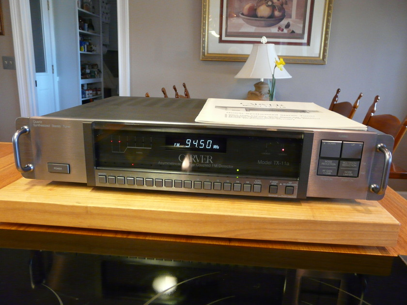 Carver Stereo Tuner TX-11a Quartz-Synthesized