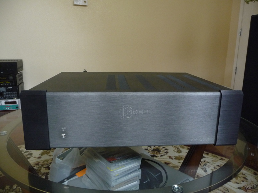 Krell KAV -250a power amplifier - excellent !
