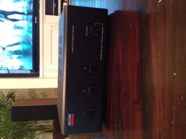 Adcom GFS-3 Speaker Selector, Black