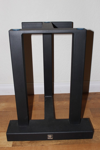 Sound Anchor  3 Post Speaker Stands Like New with spikes
