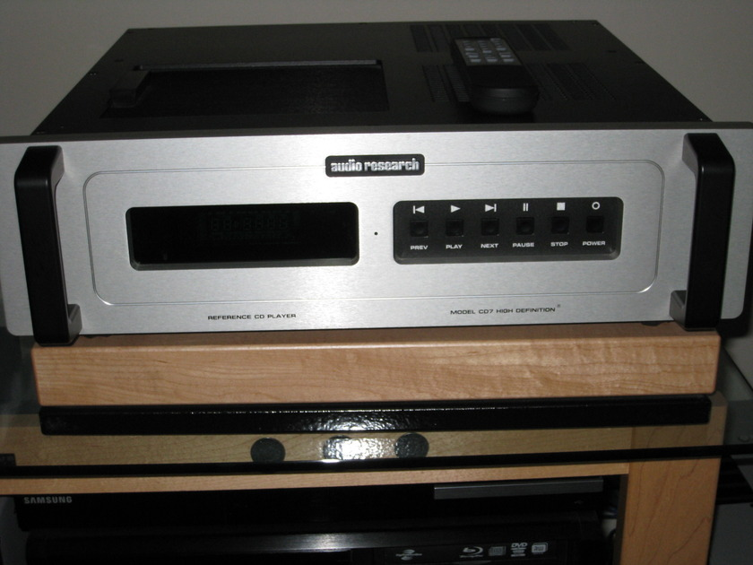 Audio Research  CD-7 in Like New Condition With Factory power upgrade