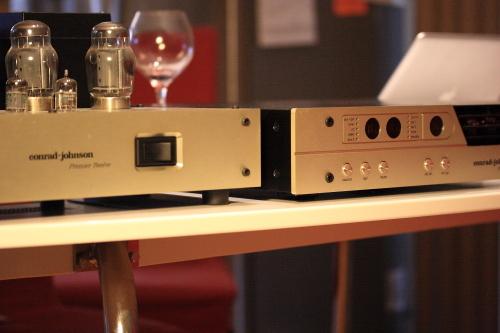 Conrad-Johnson  Premier 16 LS remote controlled line-stage vacuum tube pre-amplifier