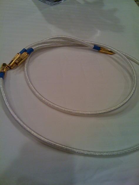 Monarchy Audio DR-1 Audio/Digital interconnects RCA connectors
