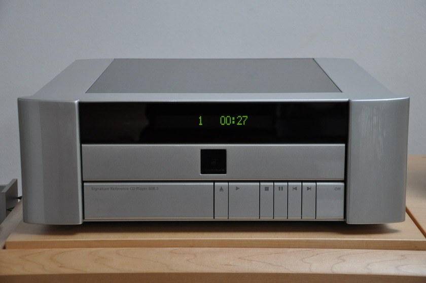 Meridian 808.3i Signature Reference 808.3i All voltages / 4 weeks old / 8750 euro