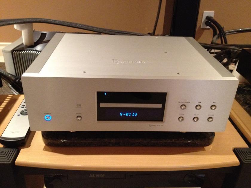 Esoteric X1 D2 cd/sacd player or Audio Aero Prestige Signature Edition