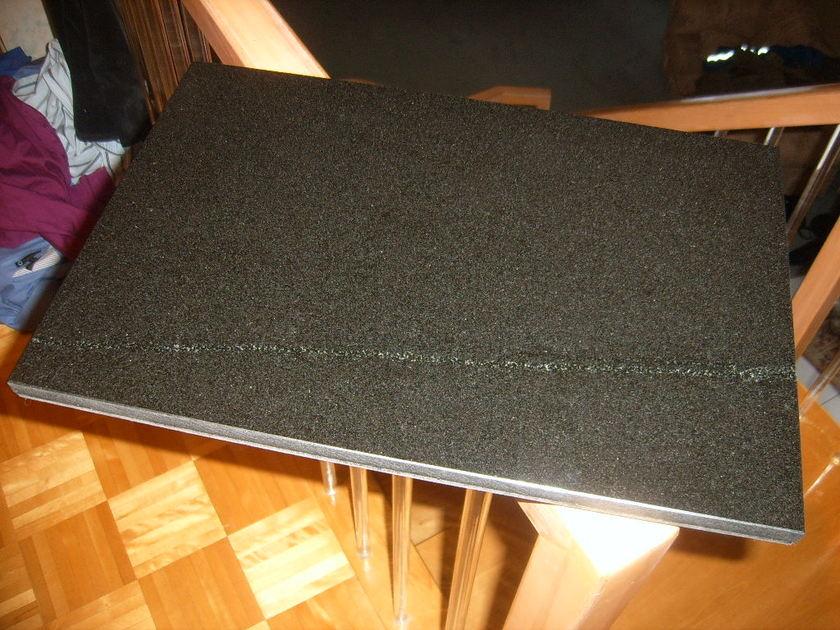 Adona shelf - isolates perfectly
