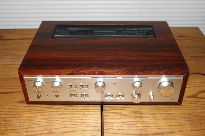 Luxman L-450 Vintage and Collectable  Integrated amp Shipping lncluded in the USA