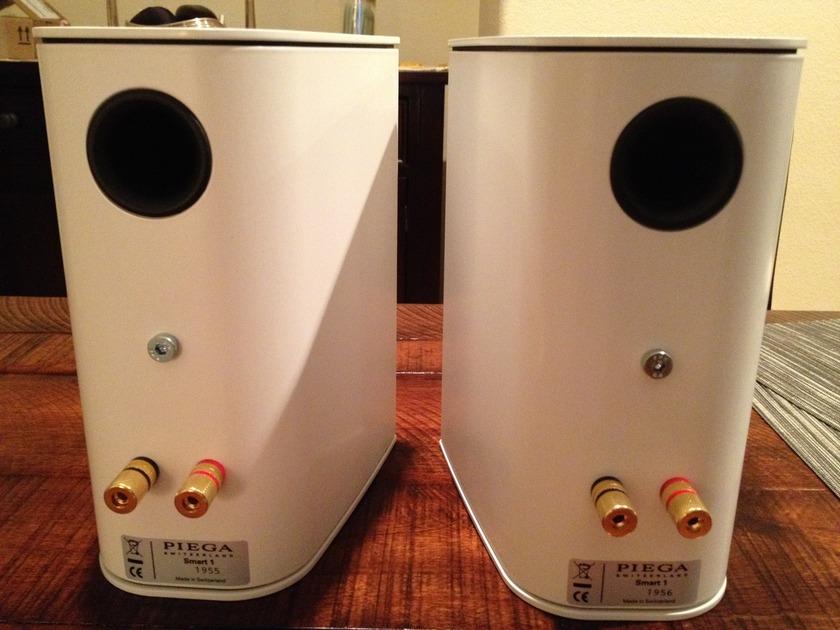 Piega Smart 1 White Monitors