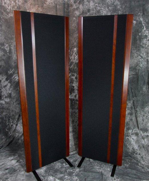 Magnepan  3.6R  Mahogany with black cloth CANADA