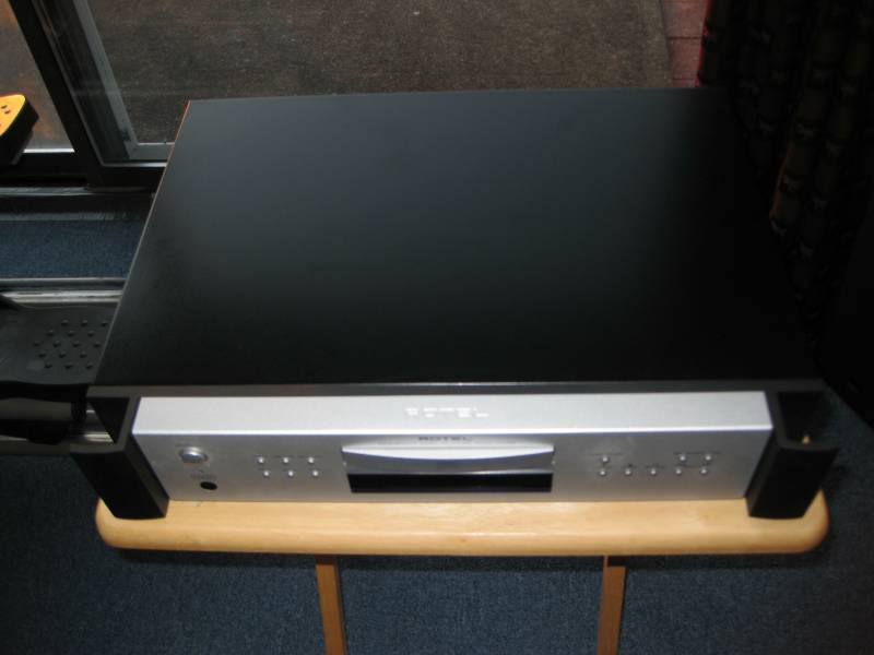 ROTEL RCD-1072 CD Player