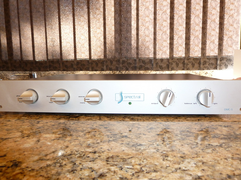 Spectral DMC-5 Preamp with Phono Stage