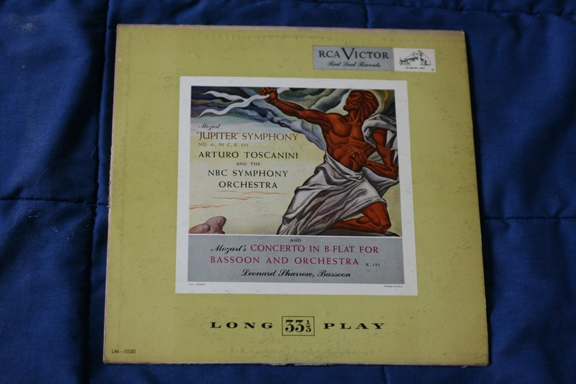 Arturo Toscanini - Mozarts Concerto in B-Flat for Bassoon and Orchestra RCA Victor LM 1030