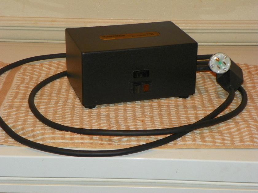 Transparent Ultra Powerbank 8 power conditioner