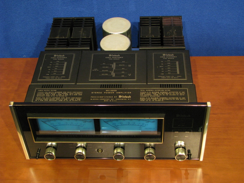 McIntosh MC2205 Amplifier 200 watts RMS per channel, excellent condition for the age, Serviced at Factory Service Center
