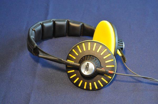 Sennheiser HD-424 Vintage Headphones from the 70s