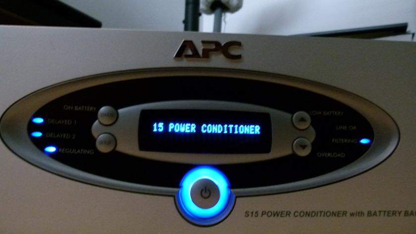 American Power Conversion S15  Power Conditioner