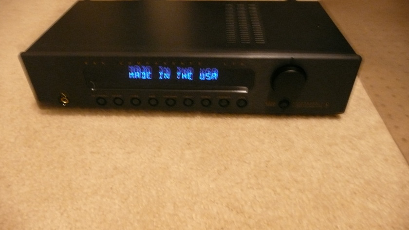 B&K  REF 5  SII ---Stereo PRE AMP  Shipped with no fees