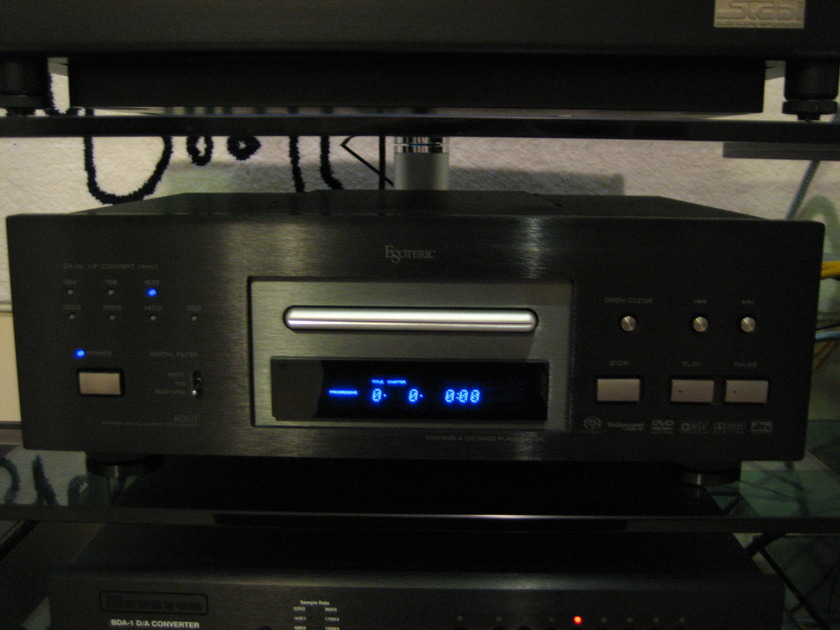 Esoteric DV-50 Universal Audio/Video Player